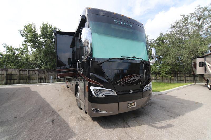 2019 Tiffin Motorhomes Allegro Bus 40IP Class A Diesel