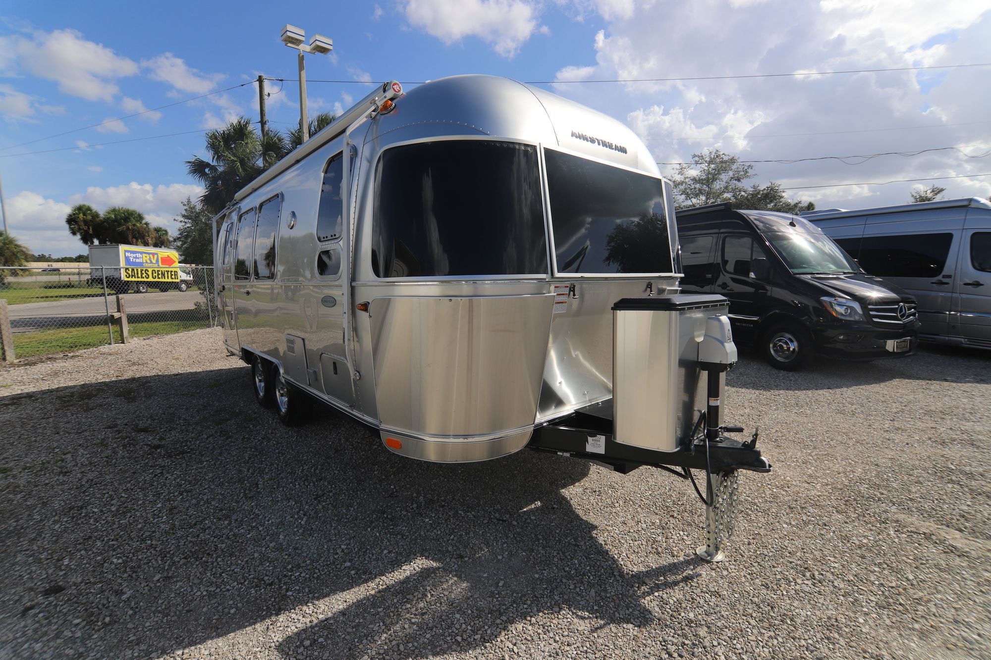 2019 Airstream Flying Cloud 23FB Travel Trailer (Stock ...