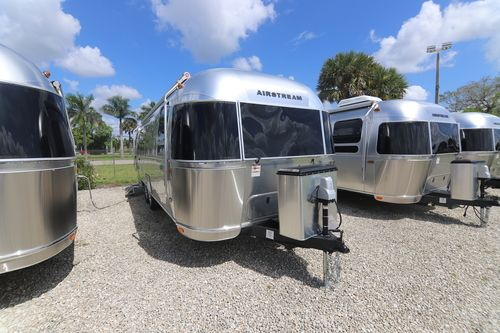 Airstream Flying Cloud travel trailers | RVs in Florida