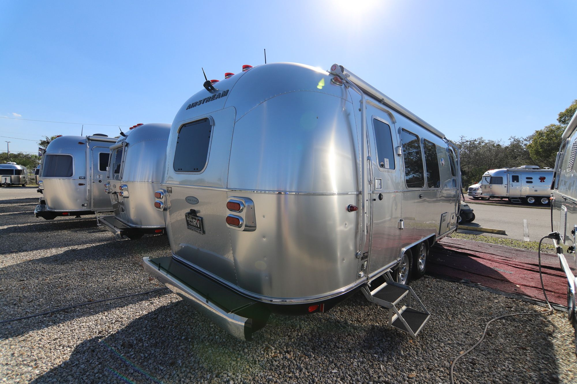 2019 Airstream Flying Cloud 23FB Travel Trailer (Stock# 12025)
