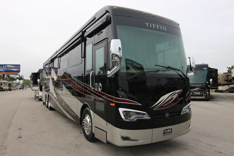 2019 Tiffin Motorhomes Allegro Bus 45OPP Class A Diesel